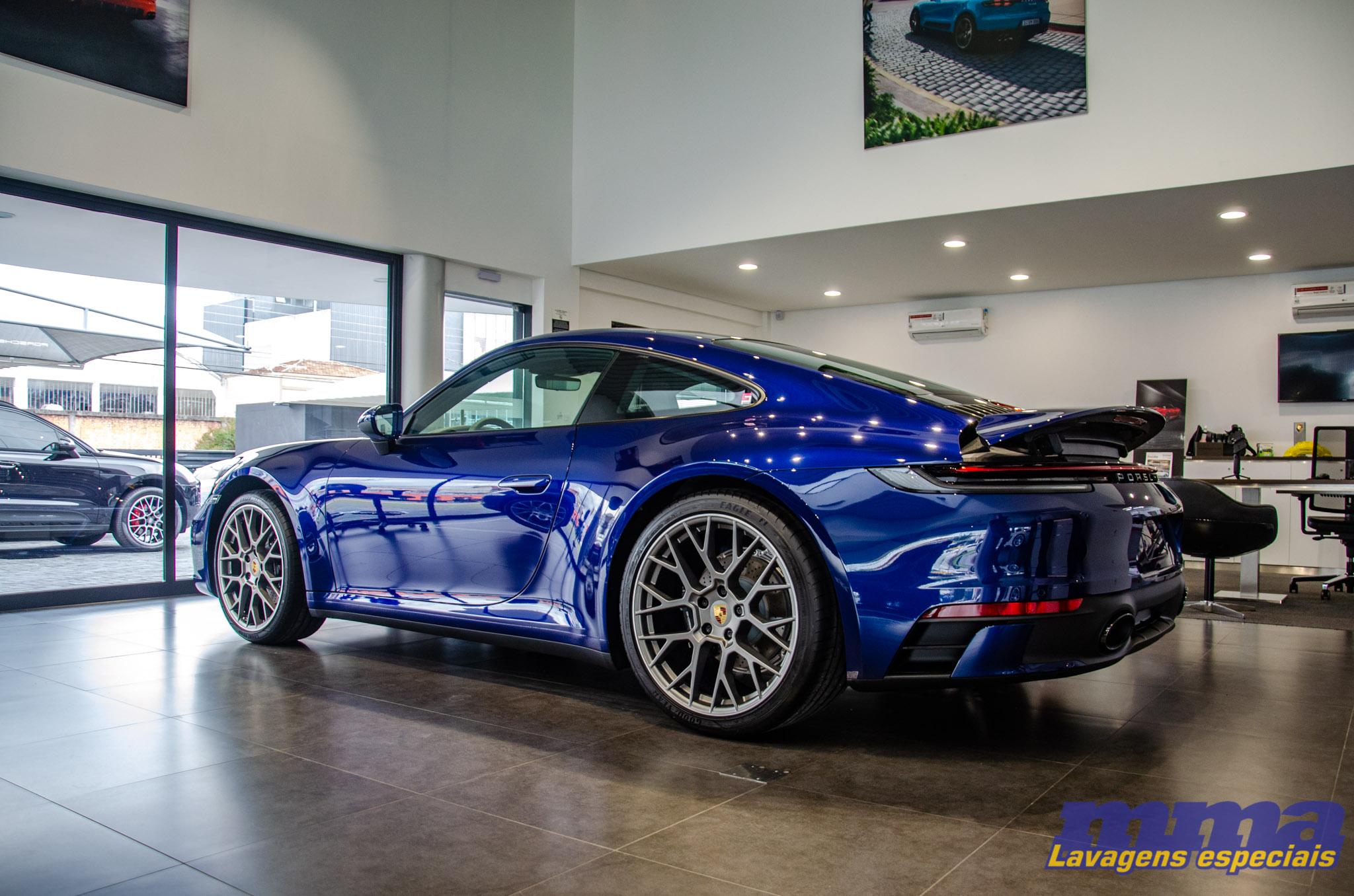 Porsche 911 Carrera <br> Geração 992